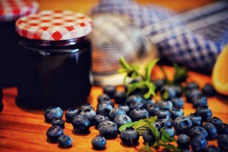 blueberries-5295659_1920